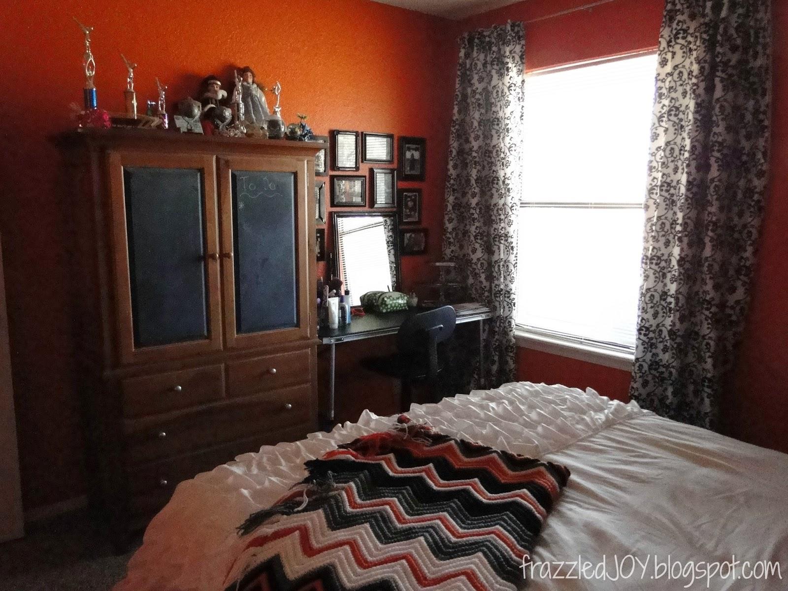 orange teen girls room