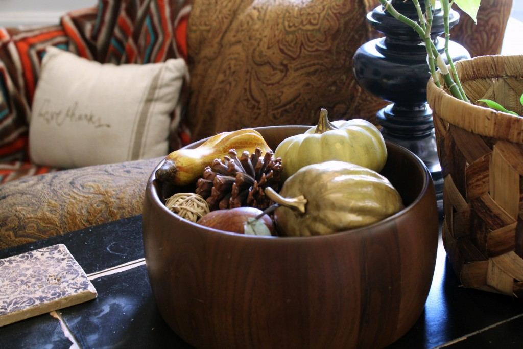 bowl-with-fall-gourds