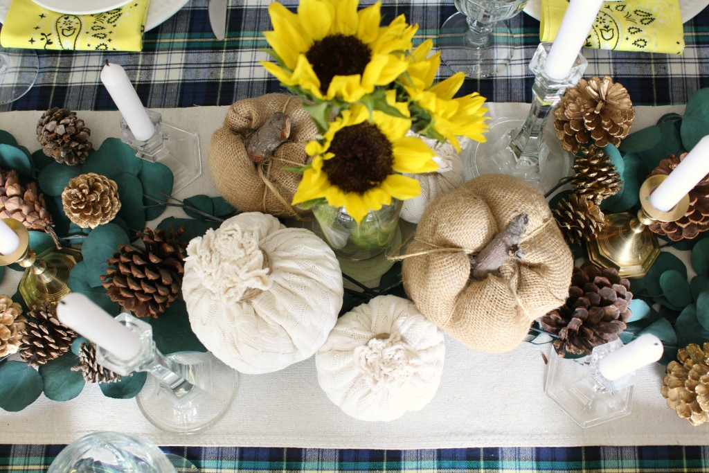 thanksgiving-tablescape-overhead-center