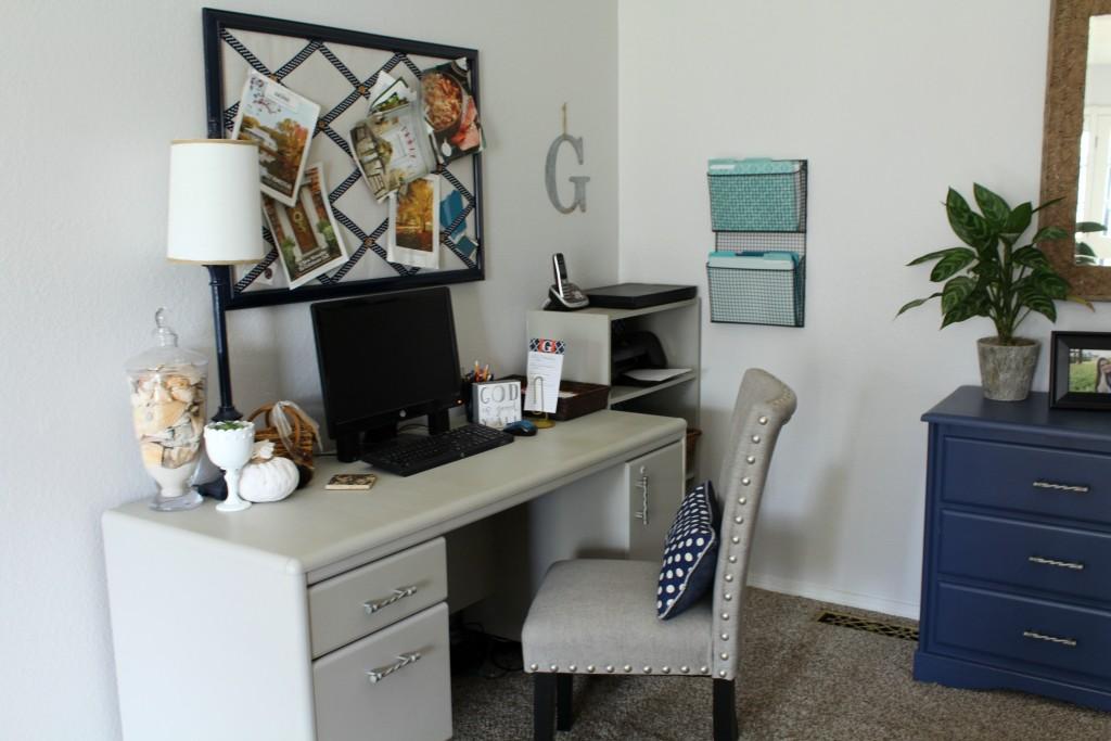 corner-desk-area