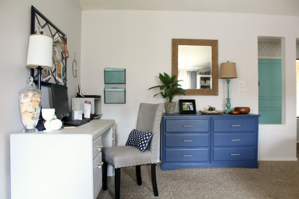 corner-office-credenza-and-front-door