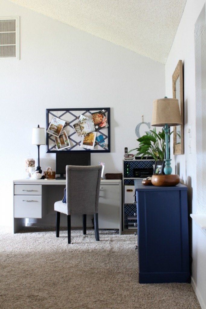 See how we created a home office space in an unused corner.