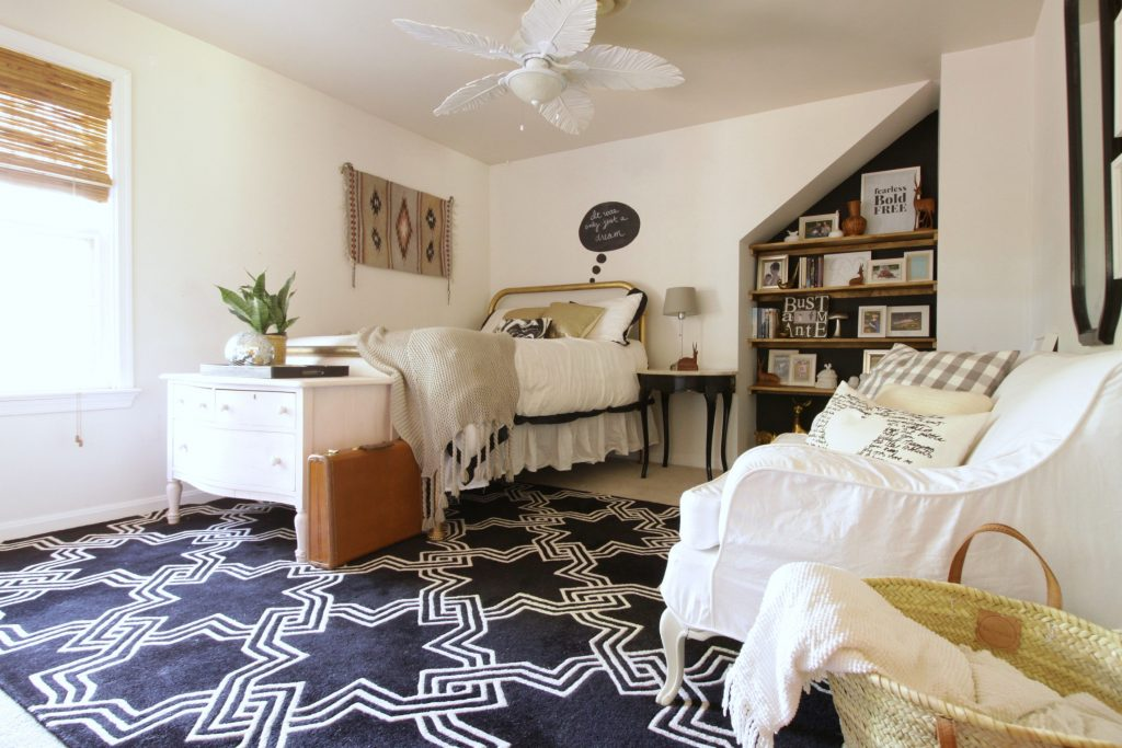 No cost bedroom makeover from Cassie Bustamante