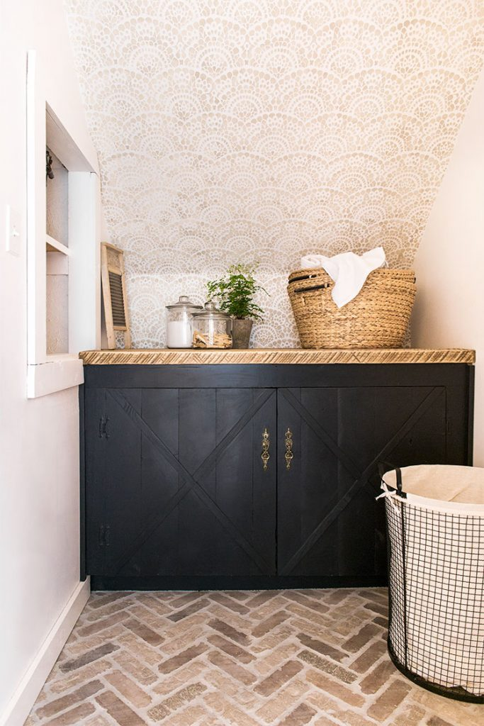 Laundry room via Jenna Sue Design