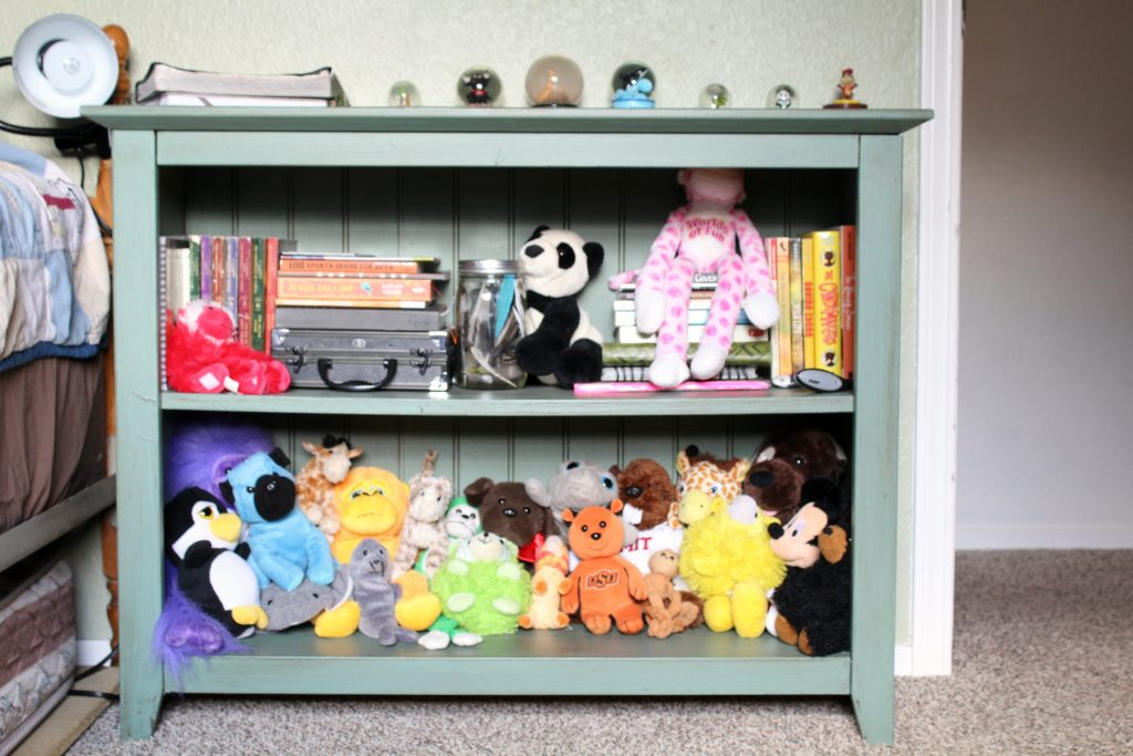 Child's bookshelf refresh