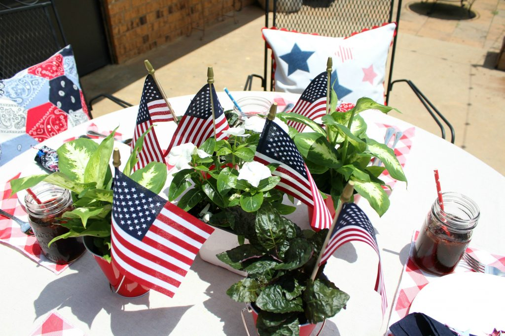 USA tablescape centerpiece