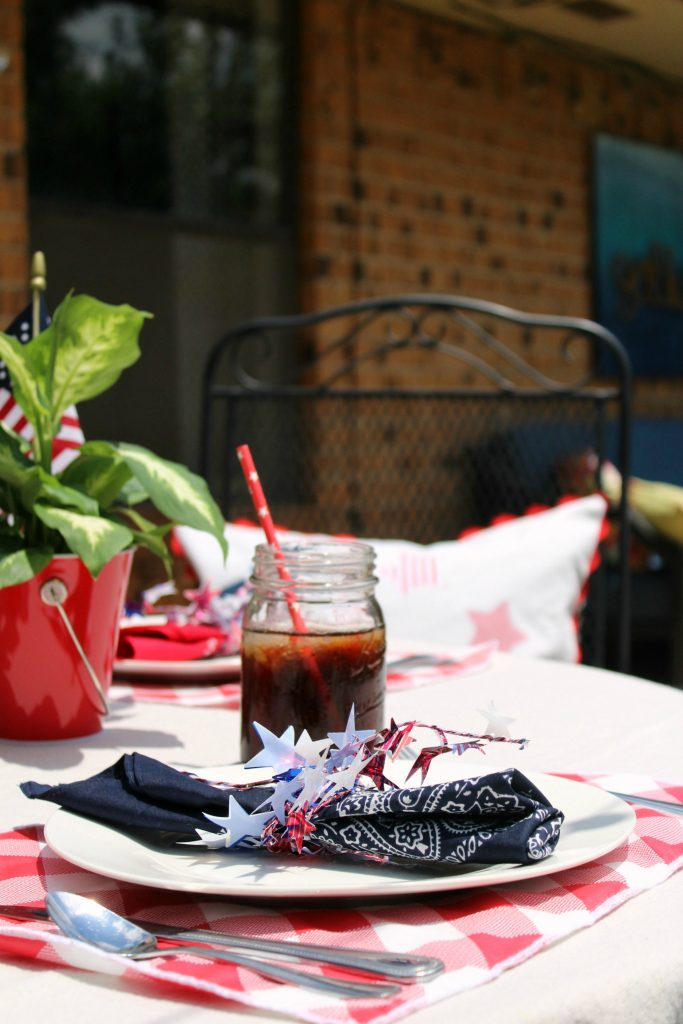 Summer tablescape red, white, and blue