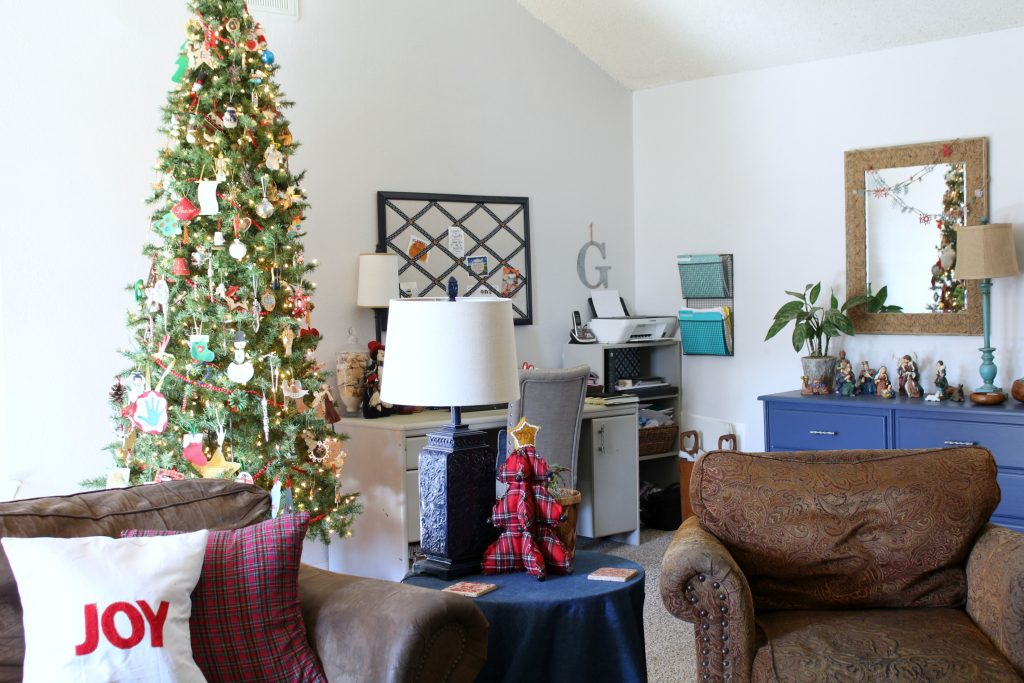 Family room decorated for Christmas