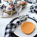 Pumpkin and gingham fall tablescpae
