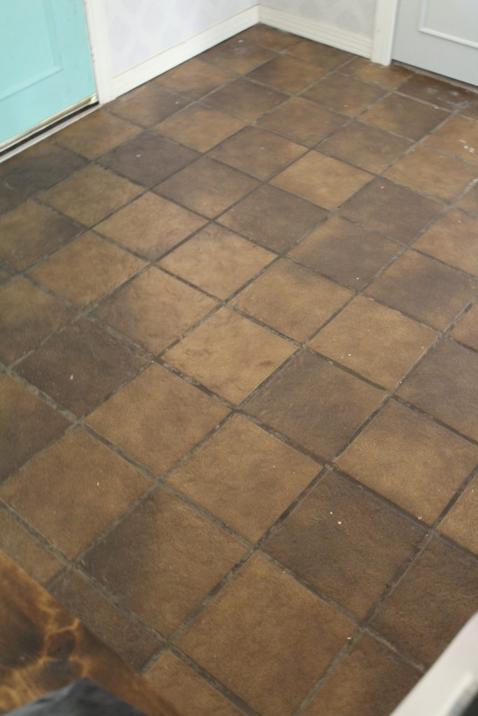 Entryway tile floor before