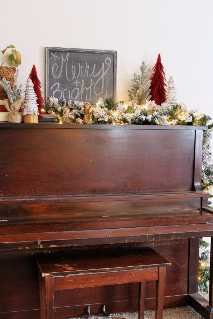 Piano Christmas decor