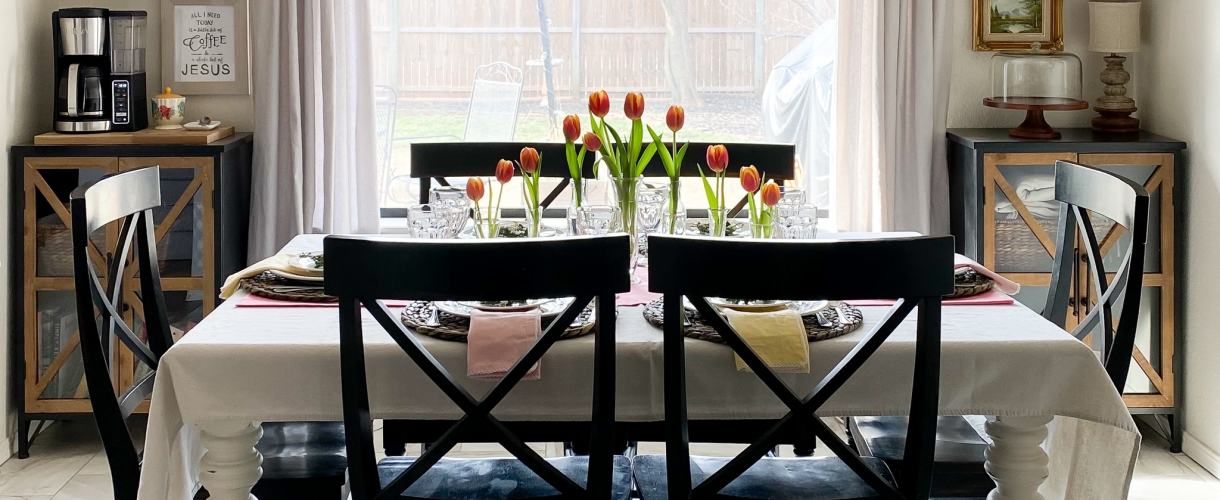 Breakfast nook spring table